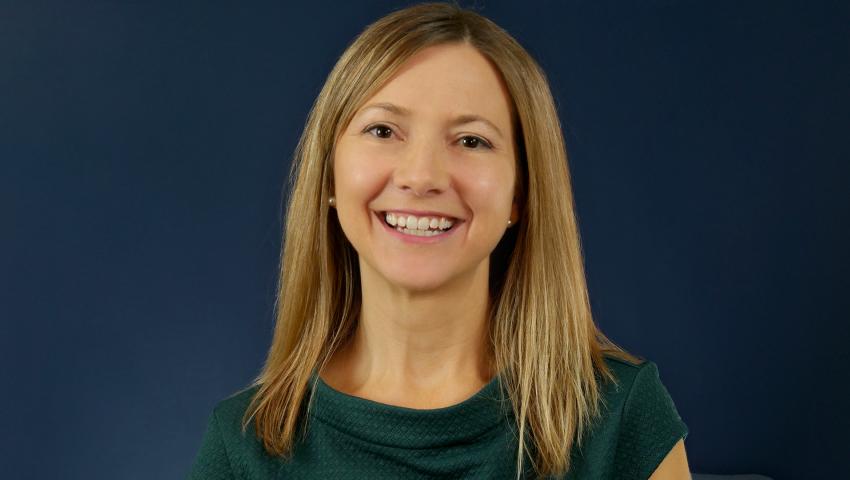 Dr.  Amy  McComas